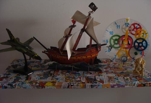comics-decoupage-shelf
